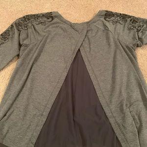 🖤 Torrid size 2 gray sweater w/ back detail